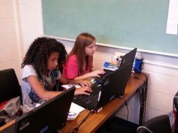 2 girls at computer